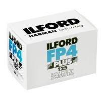Črno-beli negativ film Ilford FP 4 plus 125/36