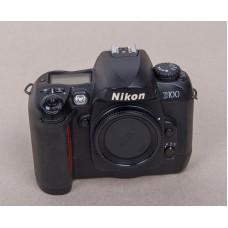 DSLR fotoaparat Nikon D100 (F-Nikon-D100-1)